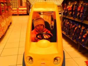 Tilde kör bil
